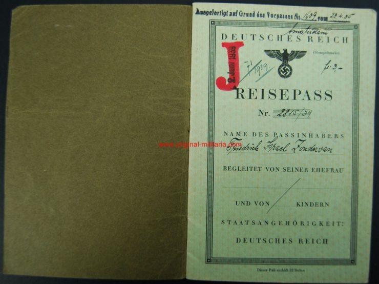 """Pasaporte Alemán para un Ciudadano Judío Marcado """"J"""" de 1939"""