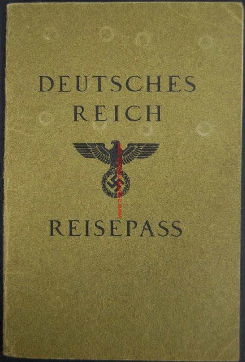 Pasaporte Alemán de 1937 para una Madre y su Hija