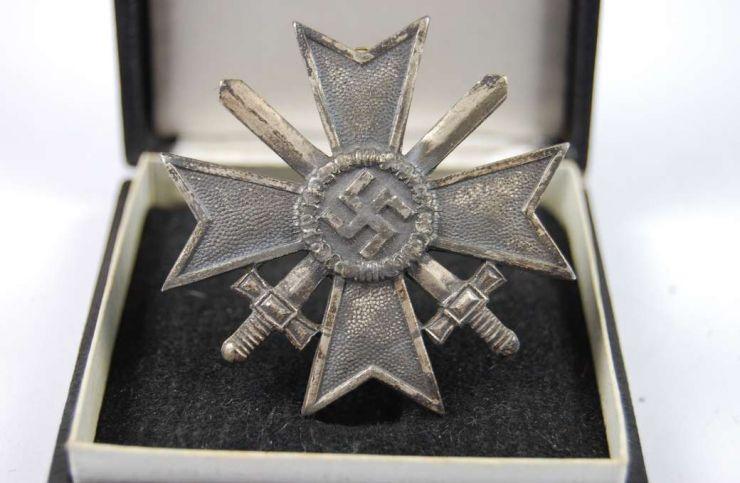 Cruz al Merito Militar de 1ª Clase en su Estuche