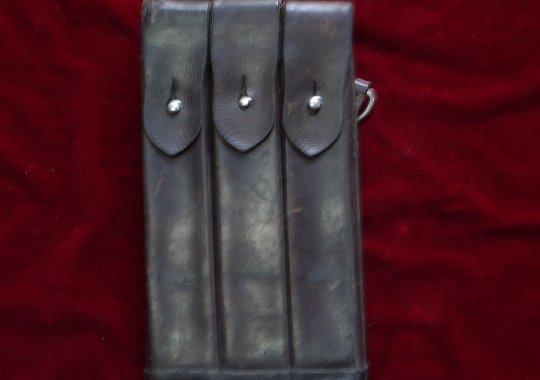 Porta cargador Austriaco del MP38-40.