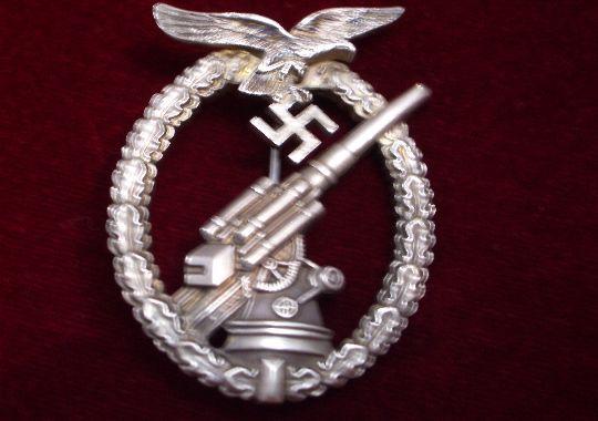 Distintivo de Guerra de Artillería Antiaérea de la Luftwaffe.