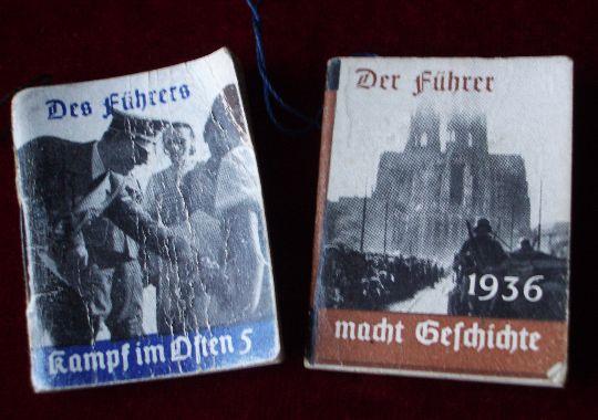 Libritos de propaganda Nazi.