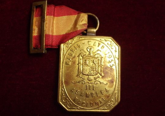 Medalla del Sindicato Nacional de Alimentación.