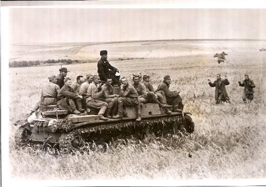 Foto de Prensa de Unidades Panzer en el Frente del Este.