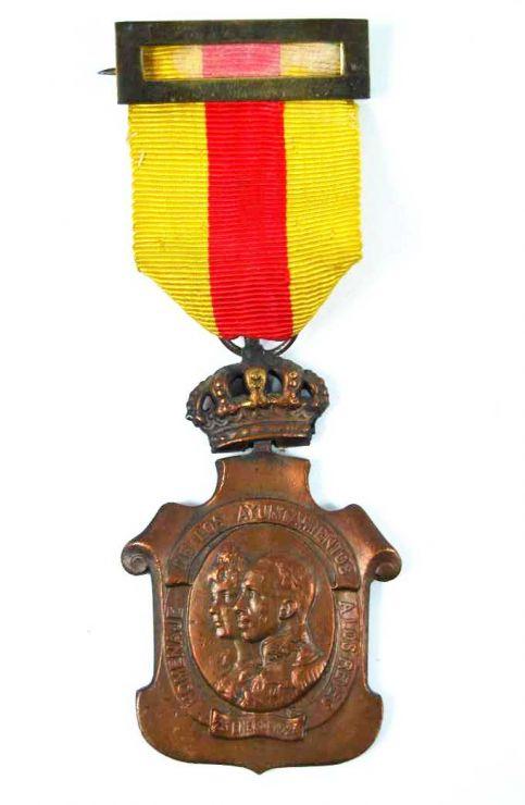 Medalla Homenaje de los Ayuntamientos a SS.MM