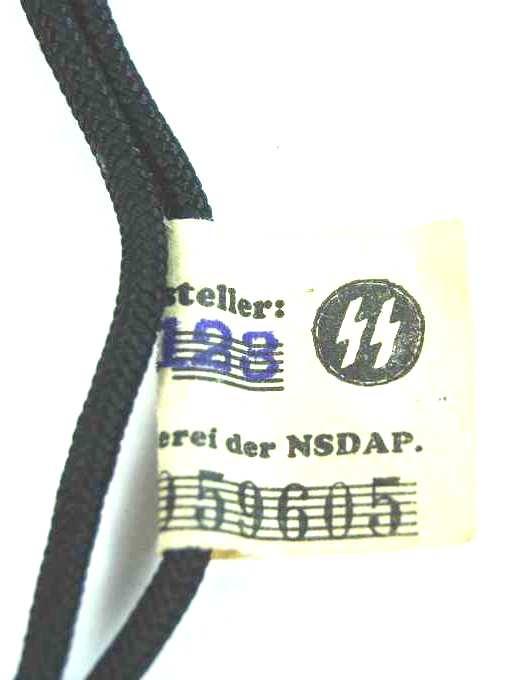 """Waffen SS, Silbato con su Cordón y Etiqueta """"RZM"""""""