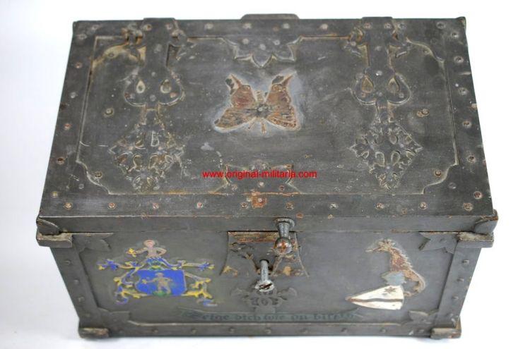 Cofre Alemán de Hierro Policromado posiblemente Siglo XVI