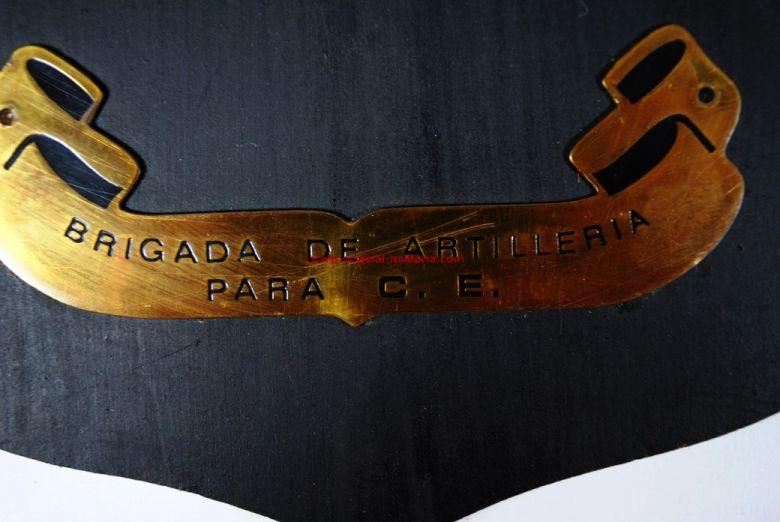 Metopa de la Brigada de Artillería para C.E.