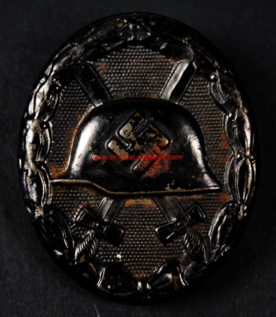 """Distintivo de Herido en Negro 1939, """"126"""""""