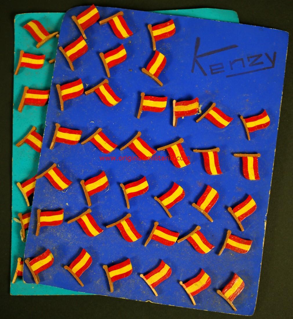 Muestrario de Insignias de Madera con Bandera Nacional