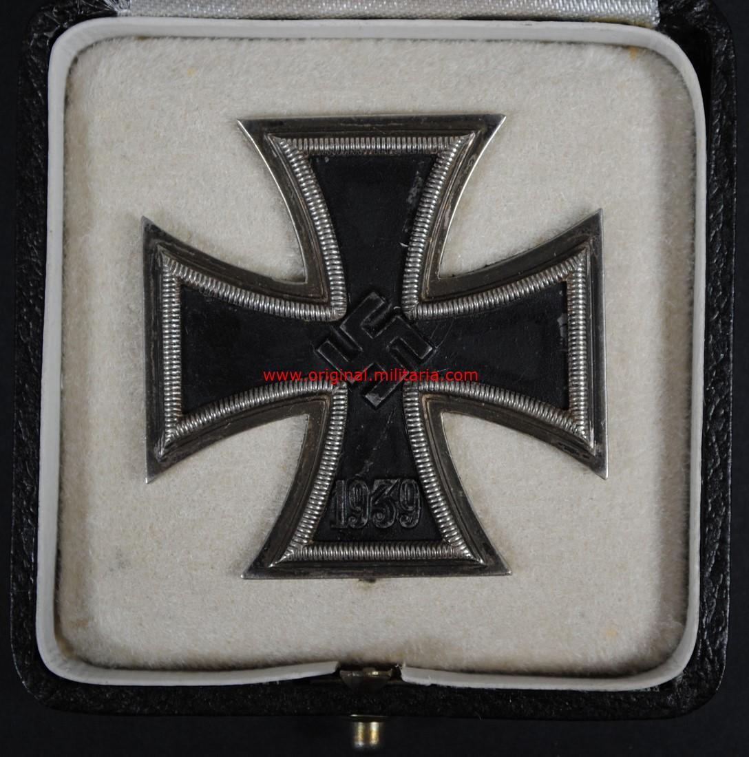 """Estuche con EK1 1939, Código """"65"""""""