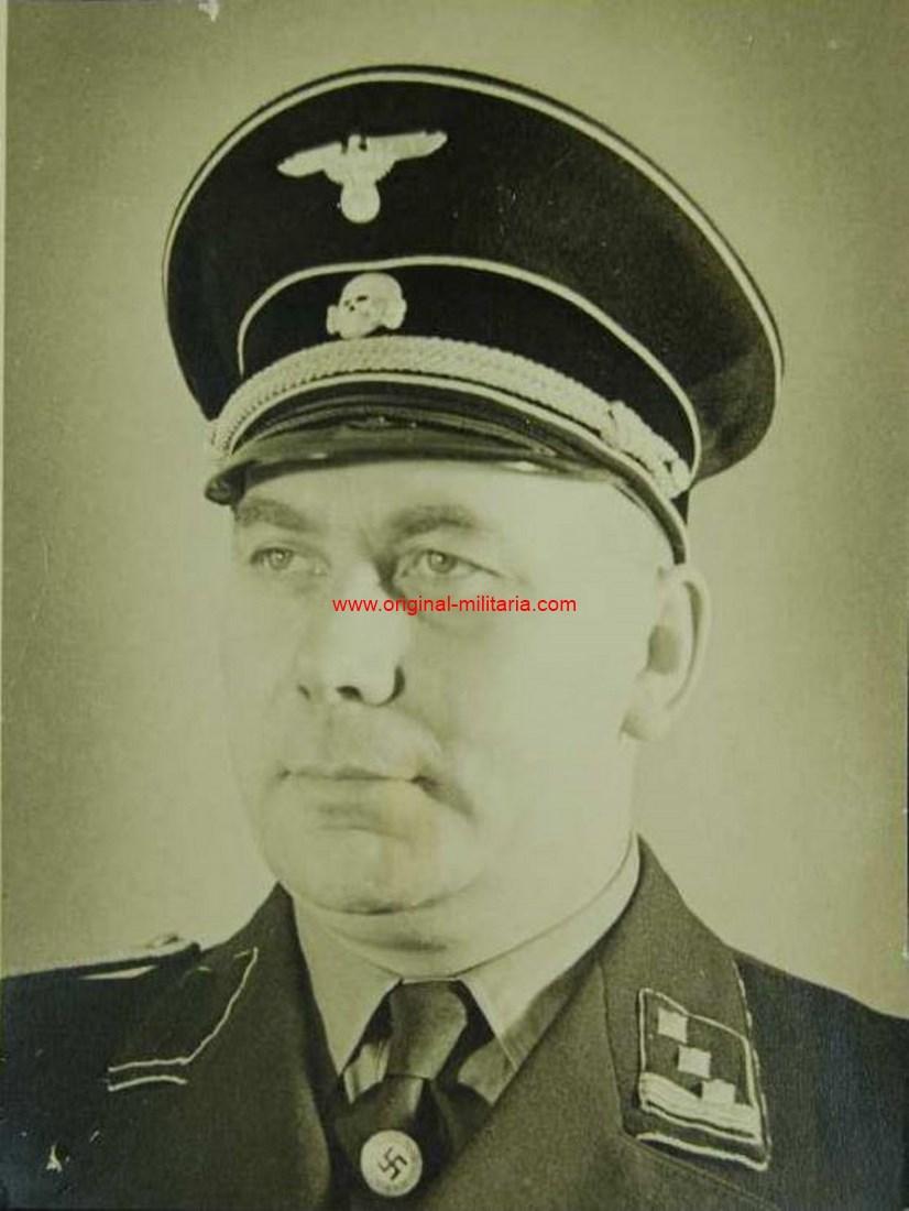 SS, Gran Foto de Estudio de un Hauptsturmführer