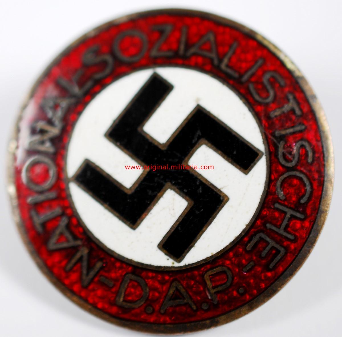 "NSDAP/ Insignia del NSDAP con RZM ""M1/93"""