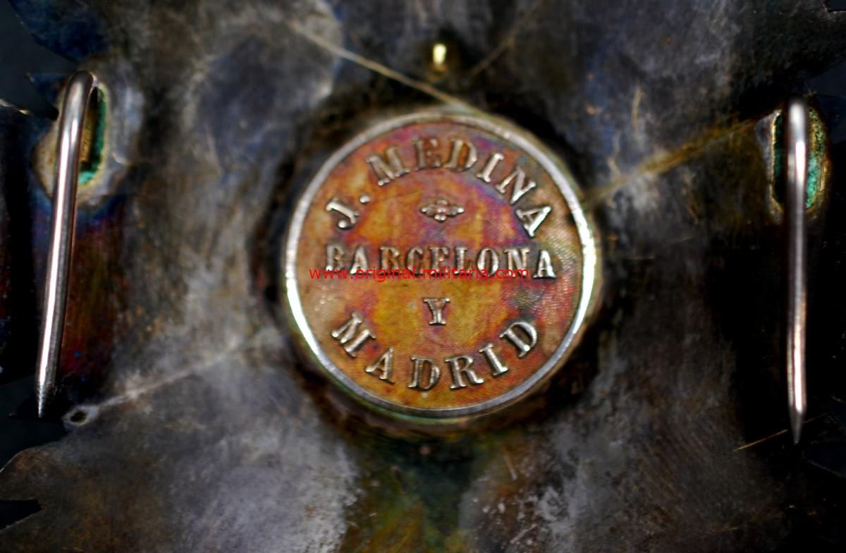 "Gran Cruz M.M. Distintivo Blanco 1864-1868 y 1875– 1926, ""J. Medina Barcelona y Madrid"""