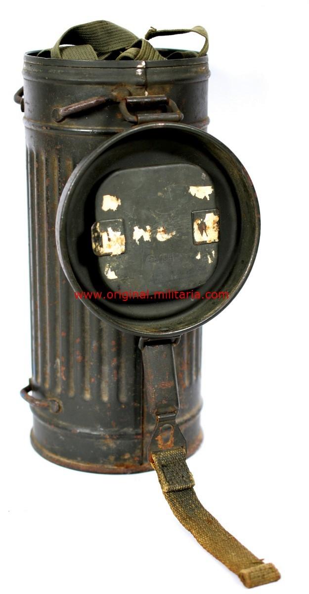 WH/ Máscara M30 en su Bote Contenedor M38 de 1940